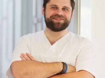 doctor_Andrei_Moldovan_Perioevo_Surgic_Fast
